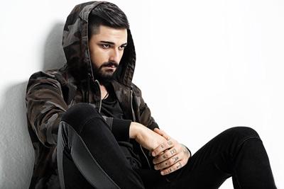 دانلود آهنگ ترکی جدید Ido Tatlises به نام Karanlik